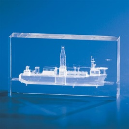 rt200_crystal-laser-engraved-3d-qantaslink.jpg