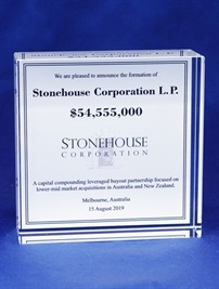 cb10035p_stonehouse-corporation-crystal-deal-toy.jpg