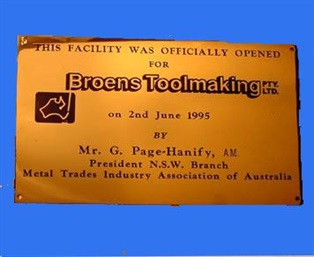 cp-br_1-opening-ceremony-plaque-brass-macuni.jpg