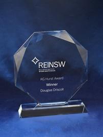 cr08a_glass-trophy.jpg