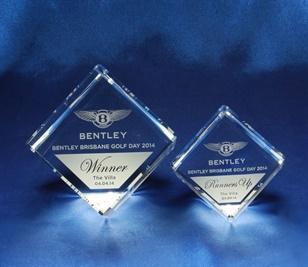 bcd0101-70_crystal-cut-cube-award_bravo-crys-1.jpg