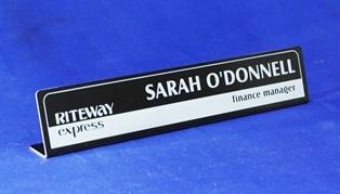 d19550l__desk-name-bars.jpg