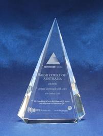 ic04_crystal-awards.jpg