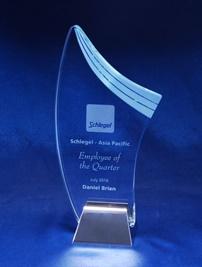 si05a_crystal-trophy-schlegel.jpg