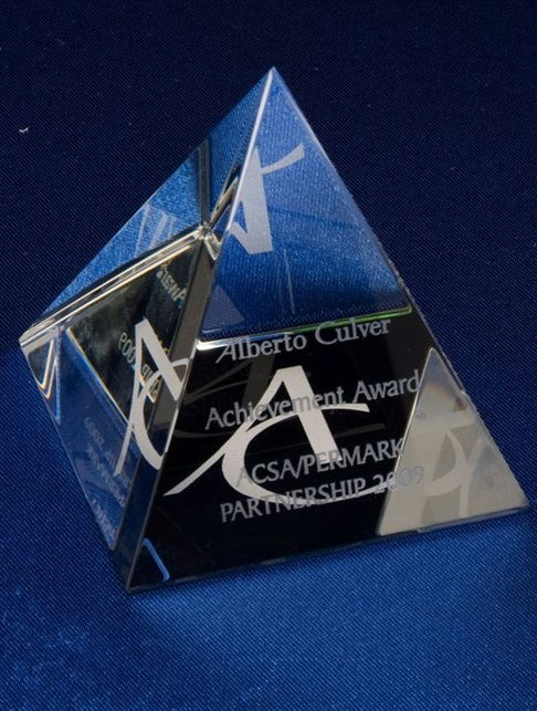 jip0037-100_optical-crystal-pyramid.jpg