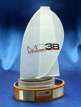 MC38_Crystal_Trophy.jpg