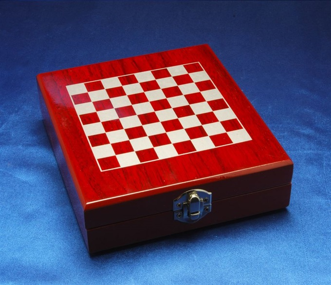 ches01_giftware-chess-set.jpg
