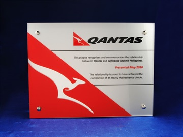 cp-sa3p_glass-over-metal-plaque-qantas.jpg