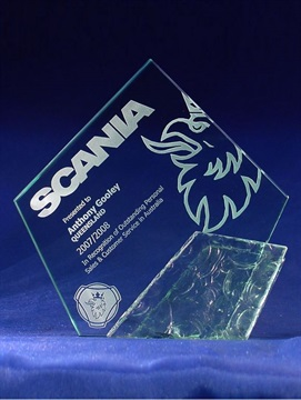 gd5_glass-trophy-scania.jpg