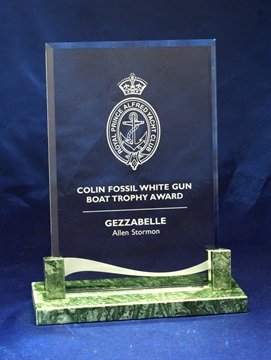 gmg-04b_glass-trophy.jpg