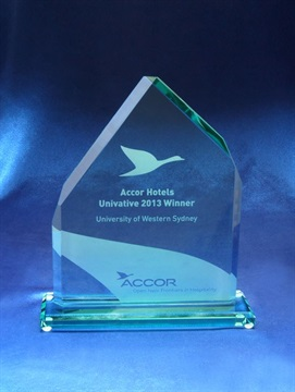 gt147_classic-glass-peak-award-accor.jpg