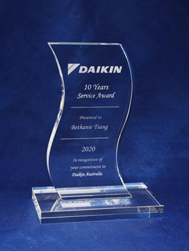 jip0022_s-shaped-crystal-award.jpg