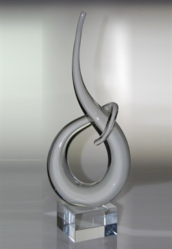 jip0094_white-crystal-spiral-on-clear-crystal-base.jpg